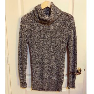 Abercrombie & Fitch turtleneck sweater NEVER WORN!
